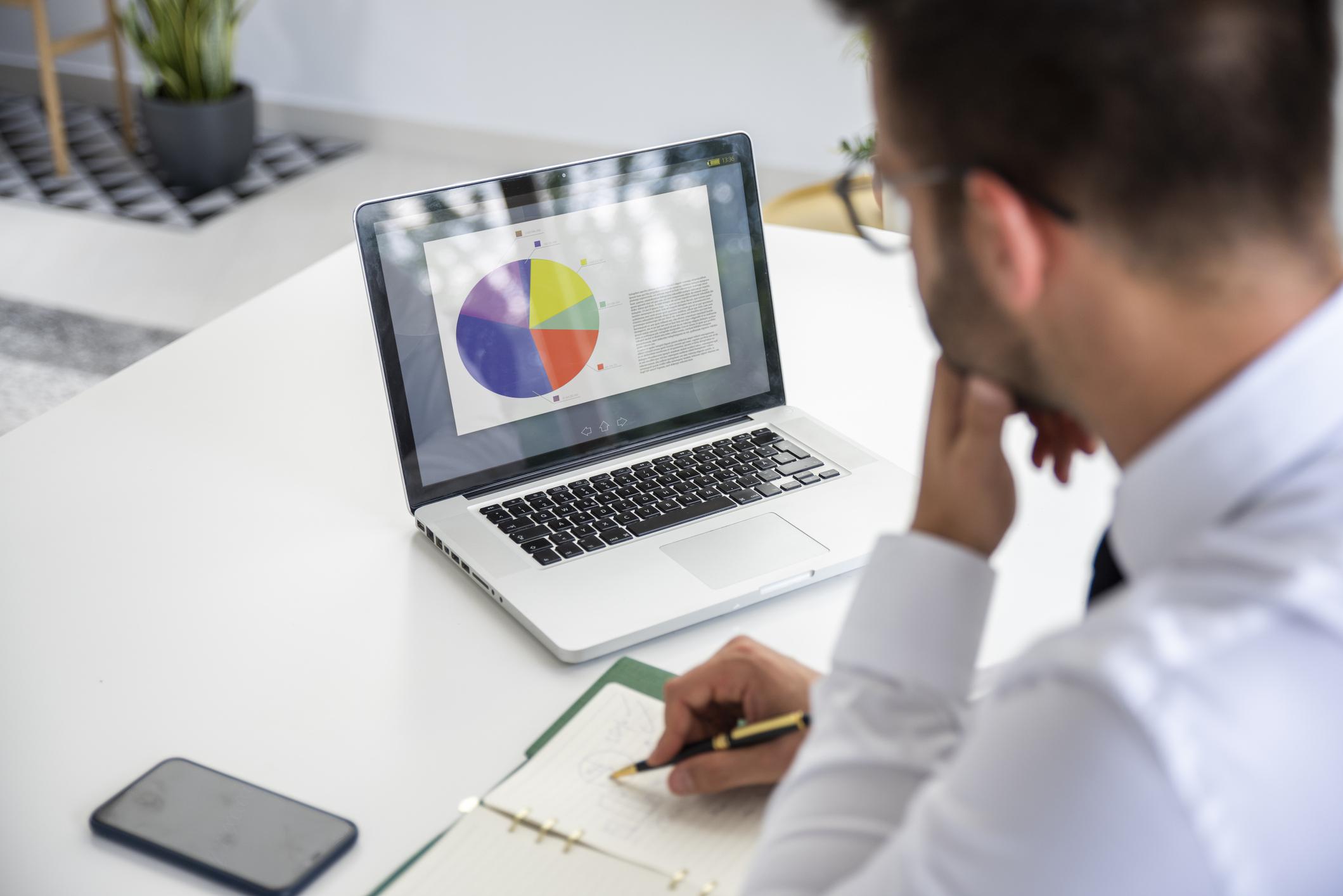 Høy forbruksgjeld – refinansiering eller gjeldsordning?